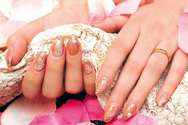 Nail-art-sposa-4
