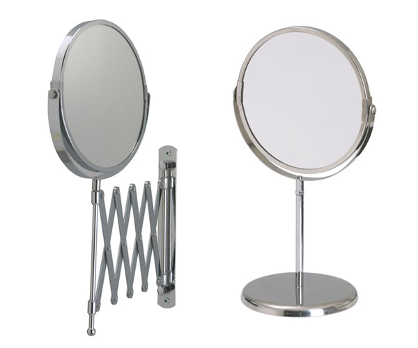 Postazione trucco specchi con le luci per la vanity table anna marchese - Specchio ingranditore ikea ...