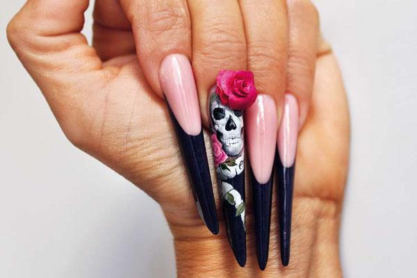 Unghie nail art skull rose