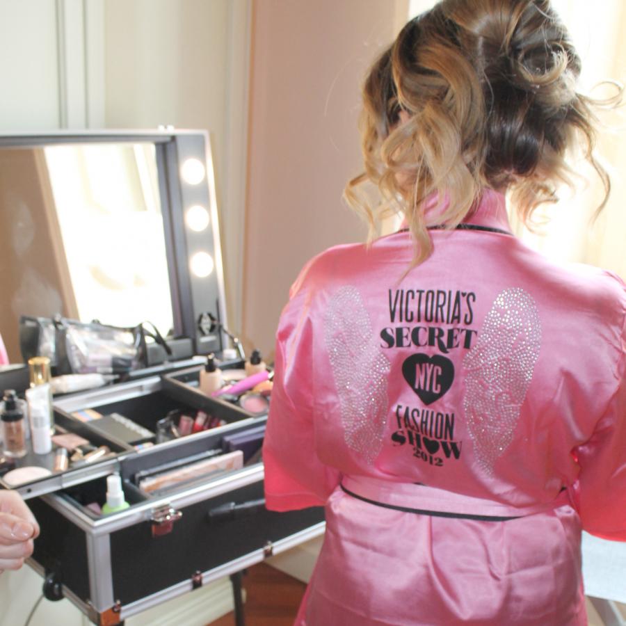 trucco-sposa-napoli-caserta-aversa-wedding-make-up-artist-postazione-luci-specchio-cantoni-backstage-truccatore-11
