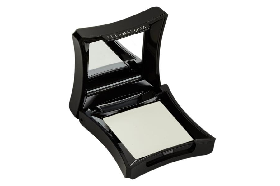 skin-base-lift-concealer-illamasqua-white-light-correttore-bianco-swatch-review