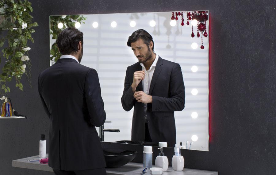 Specchio con le luci illuminato da bagno unica by cantoni