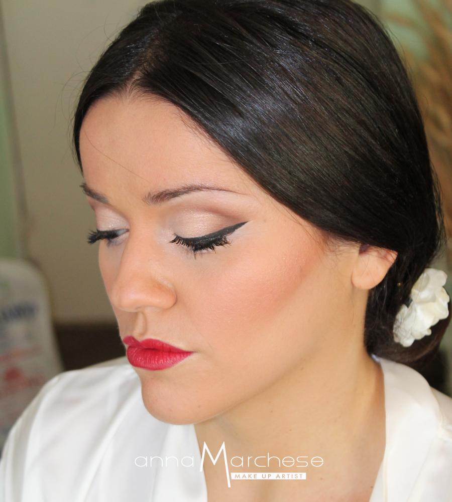 anna-marchese-trucco-sposa-classico-naturale-nude-look-eyeliner-rossetto-rosso-napoli-caserta-aversa-frattamaggiore