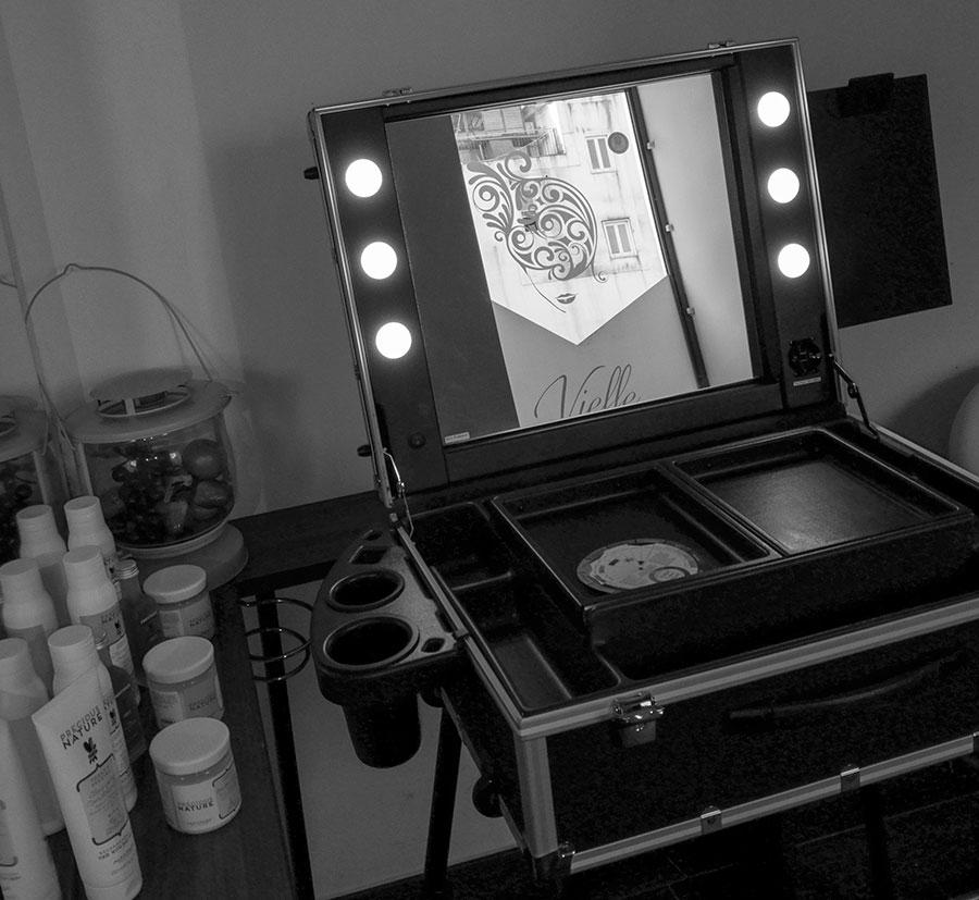 accessori postazioni trucco cantoni leggio portapennelli porta phon parrucchieri make up artist