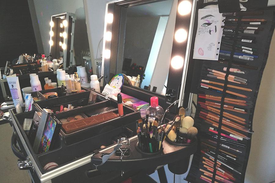 Specchi Professionali Per Trucco.Il Mio Make Up Corner Postazione Trucco Accessori E Organizzazione