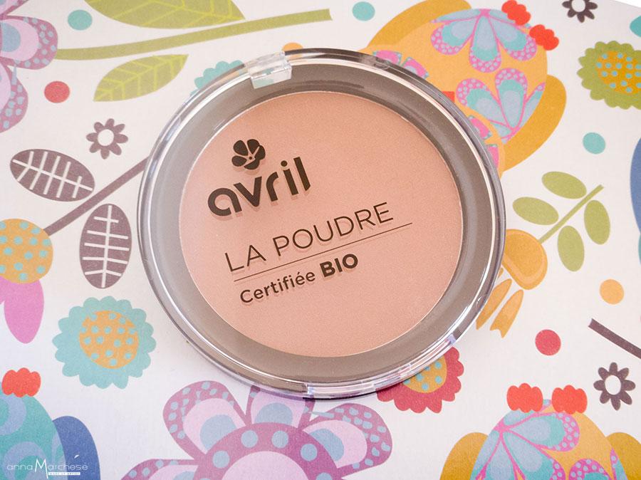 avril-cosmetics-bio-recensione-acqua-micellare-fondotinta-blush-bronzer-camel-terra-contouring-review-opinioni-foto-swatch-com'è