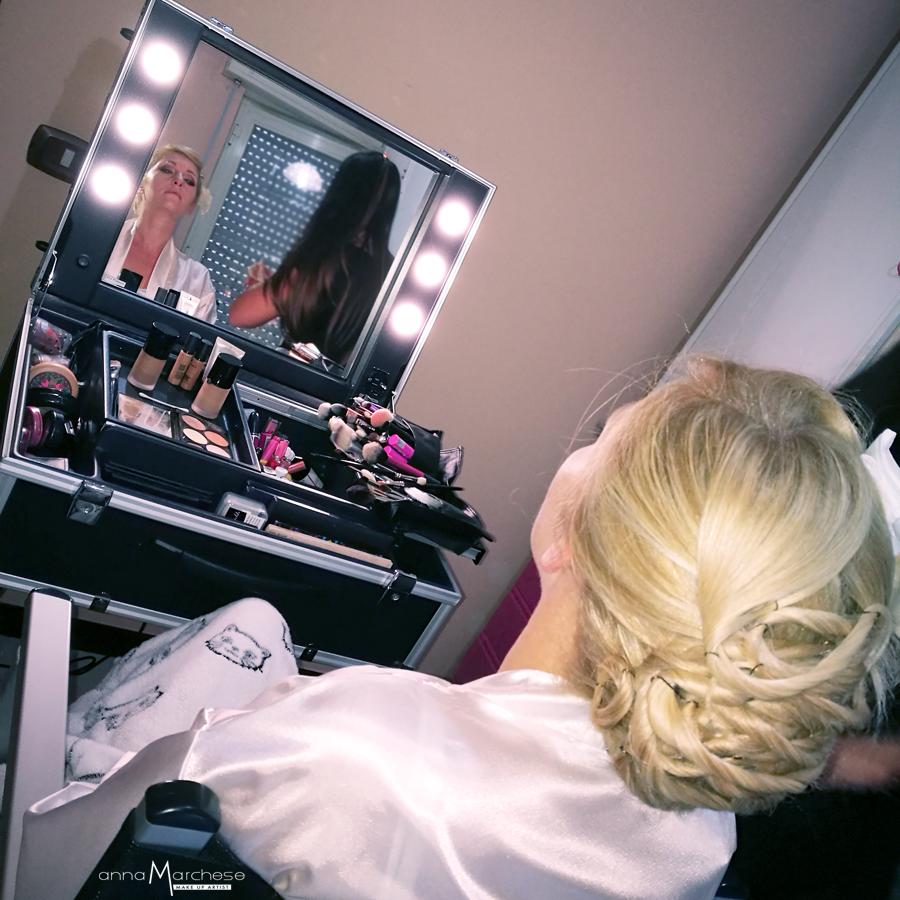 postazione trucco-sposa-luminoso-bionde-occhi-azzurri-napoli-caserta-anna-marchese-make-up-artist-5
