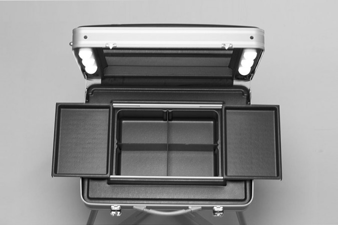 Cantoni NewEvo 17: la valigia trucco illuminata ultra leggera e spaziosa