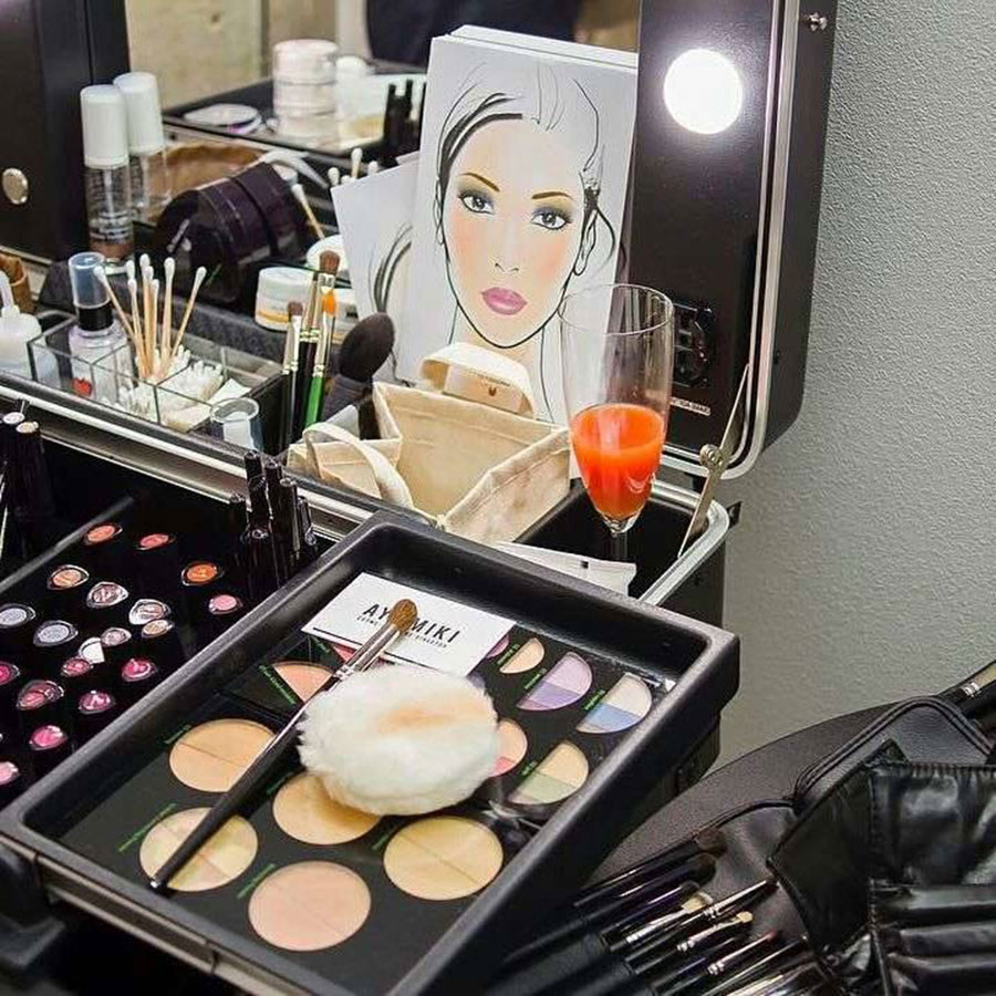 postazioni-trucco-dr-hauschka-makeup-corner-per-eventi-press-day-saloni-centri-estetici-06