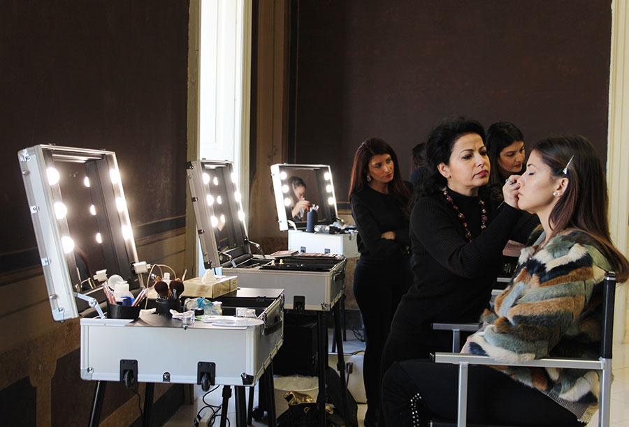 contest christmas party competition to be academy postazioni trucco Cantoni