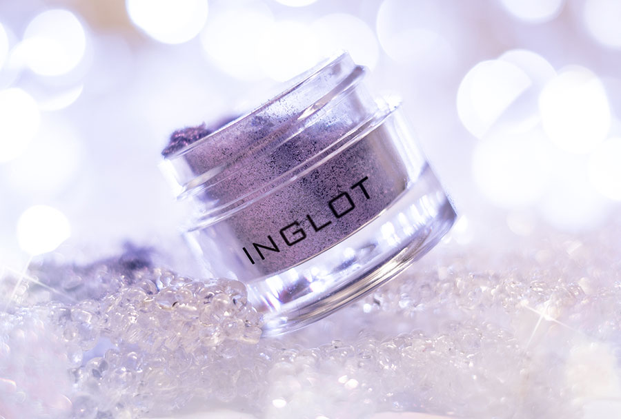 Inglot-AMC-Pure-Pigment-112-violet-lavander-loose-eyeshadow-pantone-ultra-violet-make-up