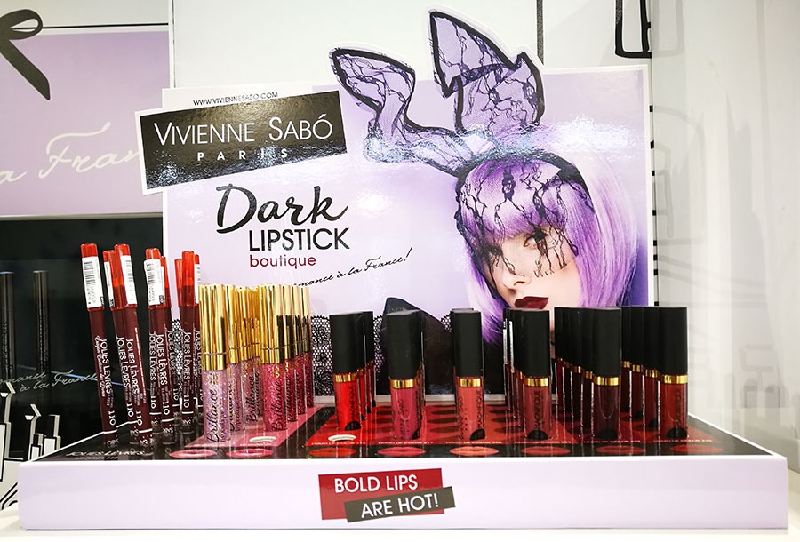 vivienne-sabot-lipstick-make-up-cosmoprof-2018-1