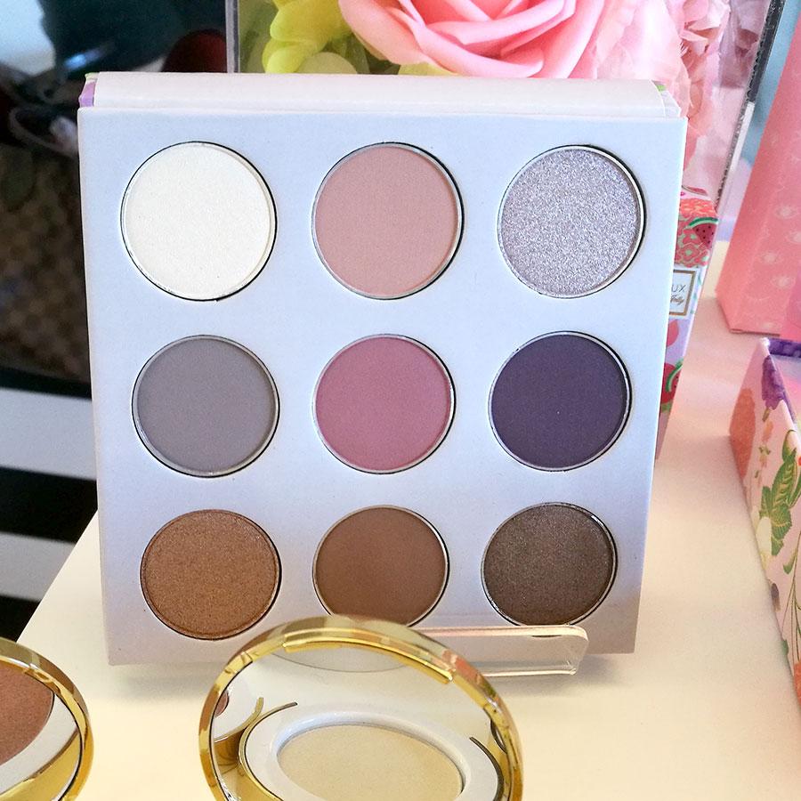 Winky-lux-cachemire-kitten-eyeshadow-palette-1