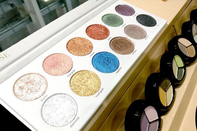 novita-makeup-cosmoprof-2019-paese-cosmetics-makeup-eyeshadow-palette-shimmer