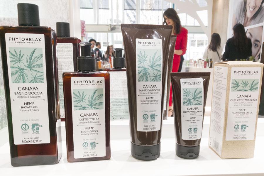 novita-skincare-cosmoprof-2019-phytorelax-canapa-olio-latte-crema-corpo-recensioni-review