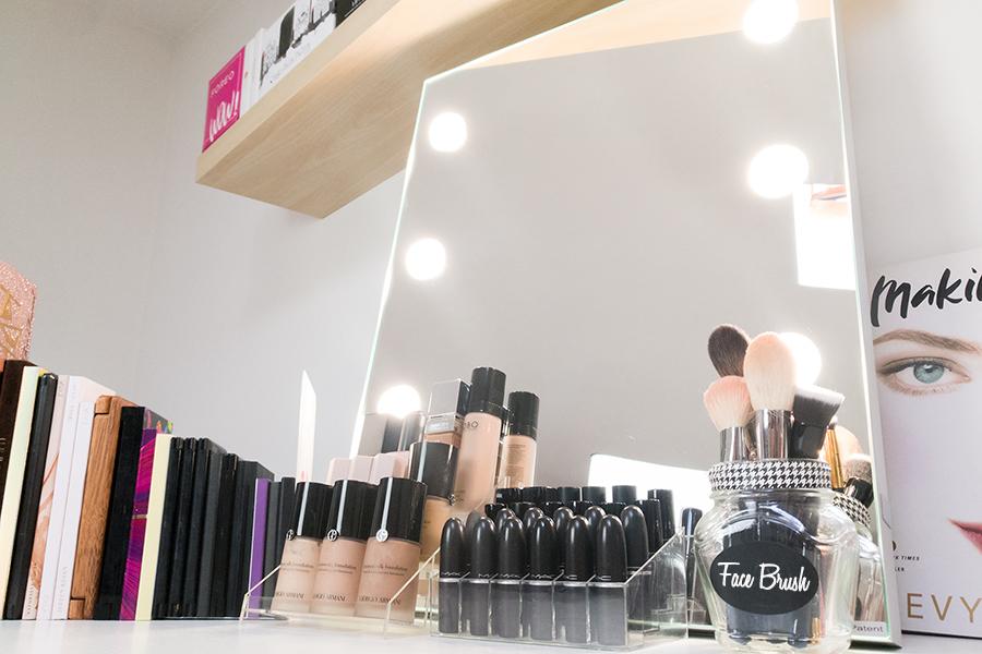 specchio-con-luci-illuminato-luminoso-professionale-9