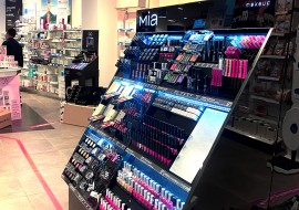 Make up brand in farmacia e l'importanza di un corner trucco per attrarre pubblico